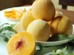 """上海水蜜桃刚下市,黄桃蜜梨""""接棒""""木瓜奇异莓新奇新鲜"""